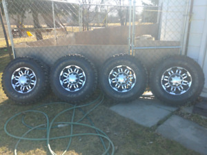 GMC/Chevy/Dodge Rims 8 Bolt