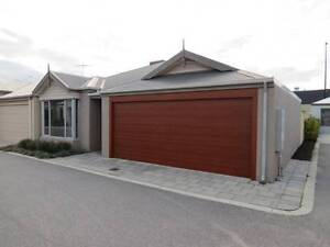 LARGE 3x2 in Aubin Grove ! Meters from Shops + Train station ! Aubin Grove Cockburn Area Preview