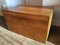 Oak Blanket Box / Toy Chest
