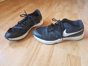 Men's Nike runners - size 9.5