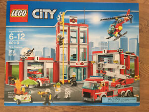 Lego City Fire Station 60110 New!