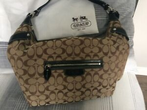 8c7cb07775c Coach | Buy or Sell Women's Bags & Wallets in Barrie | Kijiji ...