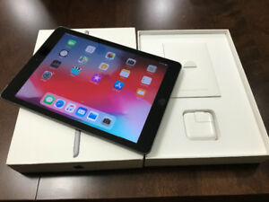 "iPad 9.7"" 32 GB - Like New, in Box"