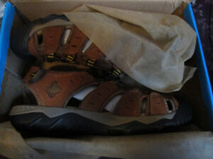 BRAND NEW Men's Athletic Sandals