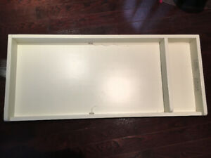 Baby Change Table - Pottery Barn - Antique white - Perfect