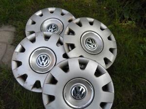 4 enjoliveurs 15po pour Volkswagen.