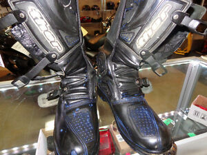 Thor size 12 Motocross boots      recycledgear.ca