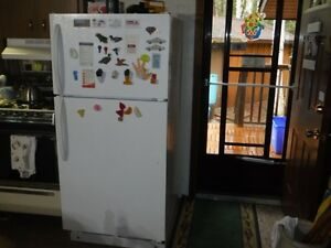 Upright l5 cu ft propane fridge, works excellent
