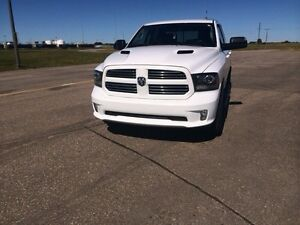 2013 dodge 1500 sport leather.
