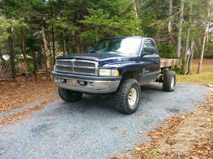 1998 dodge ram 4x4 v8 looking for trades