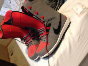 Brand New Never Used Niki Size 13 Snowboard Boots