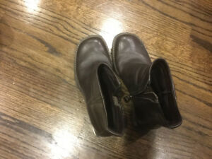 Timberland like new size 5 $20 leather boot