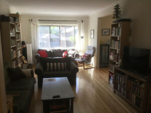 3 ½ (1 Br) Apt near Atwater/Westmount, $1239/mo (Aug or Sept)