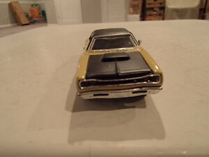 Road Champs 19691/2 Dodge Super Bee Six Pack 1/43 Scale Diecast Sarnia Sarnia Area image 2
