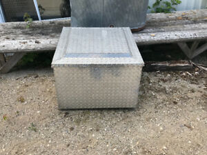 Tool box for back of truck or trailor tonge