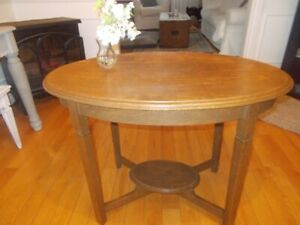 Antique Mission Oak Hal/Walll Table