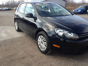 2013 VW GOLF 2.5L GAS AUTO 59,000KM $12,800 Peterborough Peterborough Area image 2
