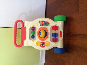 Trotteur Fisher Price 10 dollars