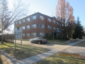 LARGE & BRIGHT 2 Bedroom - Clean and Quiet Building