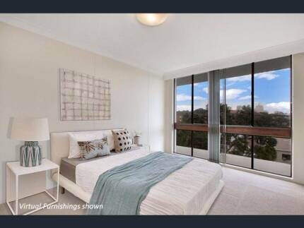 Large Private room in Bondi Beach w Huge Mirror built-in wardrobe