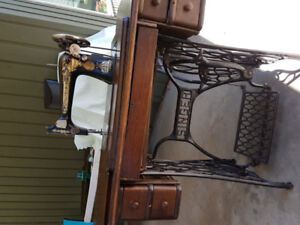 Antique treddle Singer sewing machine.