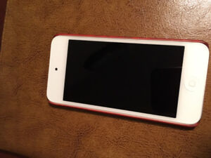 Ipod touch for sale - 32 GB - Never used