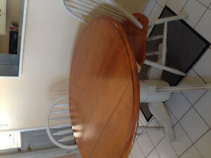 Kitchen drop leaf table w/ 2 chairs