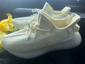 New with Tags Men's size 10 Yeezy Boost 350v2 - please read des.