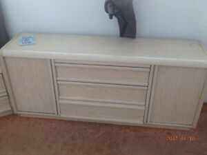 dressers no marks or scratches