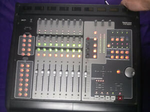 TASCAM FW-1884 FIREWIRE WORK SURFACE/MIXER