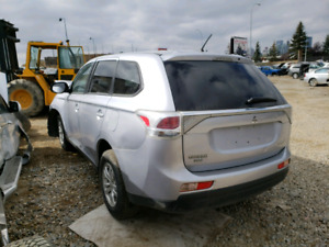 2014 Mitsubishi Outlander for parts only
