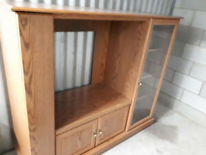 Wall unit/Tv unit Oak $40.00 obo