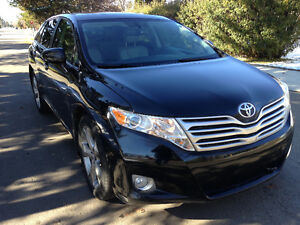 REDUCED!!!  ELEGANT 2011 Toyota Venza AWD