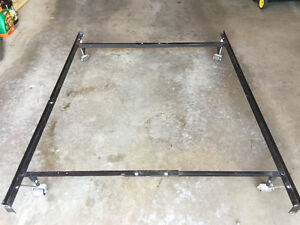 METAL BED FRAME, ADJUSTS TO SINGLE, 3/4 ,DOUBLE/FULL