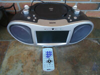 SANYO AM FM PORTABLE DVD / CD PLAYER WITH REMOTE BOOMBOX