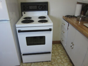 Kenmore stove, excellent condition, recently cleaned