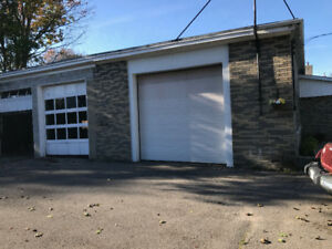 Workshop parking storage units for rent in ontario kijiji storage workshop interior parking garage for rent solutioingenieria Images