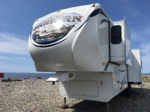 MUST SEE!!! Immaculate condition! Fifth Wheel