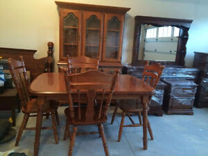 Maple Dining Room Set - Buffet & Hutch & Table & 6 Chairs