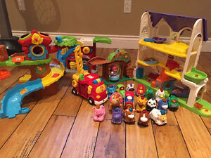 Vetch play sets and animals