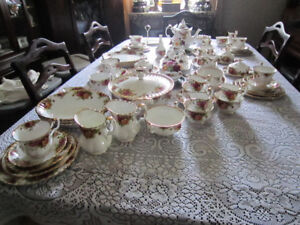 """Royal Albert """"OLD COUNTRY ROSES"""" Fine Bone China For Sale"""
