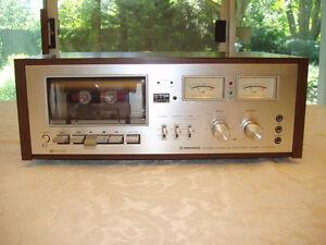 VINTAGE PIONEER 7272 Cassette deck.... MINT CONDITION