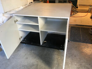 WORKBENCH/OUTFEED TABLE