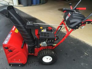 Like New Snowblower Immaculate Condition: Save $500