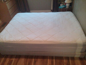 Queen size mattress with box + linen cover - MUST GO!
