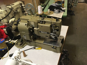 Excellent condition Brother sewing machine(button hold)