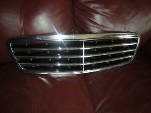 GRILLE MERCEDES