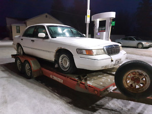 2000 Grand Marquis Parts or fix