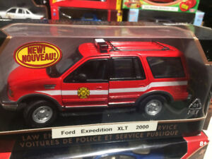 Ford Expedition XLT pompier fire truck diecast 1/24 die cast