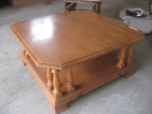 ROXTON Solid Maple Table